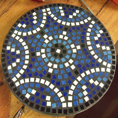 Mosaic pot stand crafty corner for Mosaic tile for crafts